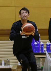 北海道・折茂選手兼社長、秋田戦は「絶対勝ちに」 - バスケット : 日刊スポーツ