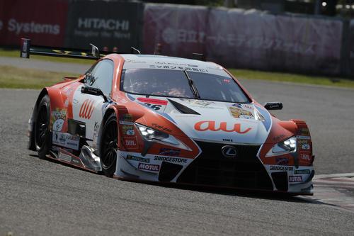 GT500クラスでポールポジションを獲得した中嶋一貴、関口雄飛組のau TOM'S LC500