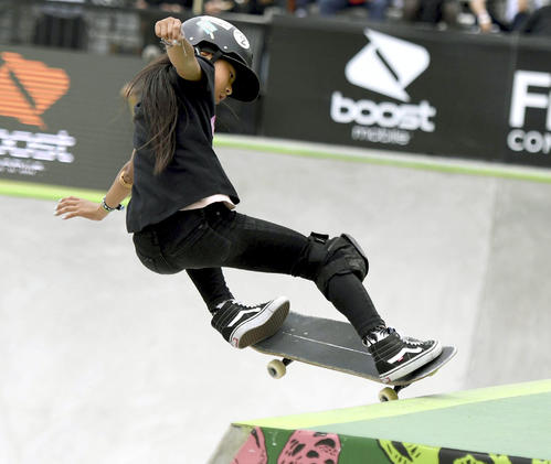 スケートボード、デュー・ツアーの女子パークで3位に入った開心那(共同)