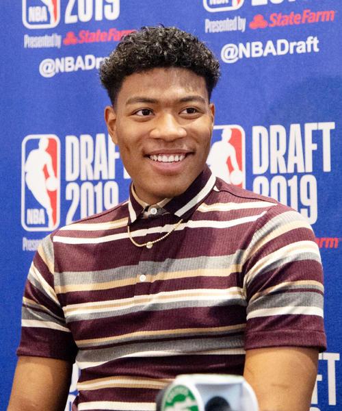 NBAのドラフト会議を翌日に控え、記者会見する米ゴンザガ大の八村塁(共同)