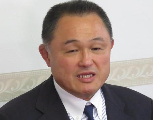 全日本柔道連盟会長の再任が決まり、抱負を述べる山下泰裕氏(撮影・峯岸佑樹)