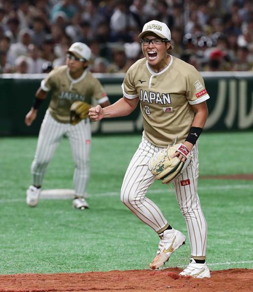 日本代表対米国代表 6回表米国代表2死一、二塁、スポルディングを三振に仕留めた日本代表先発の藤田(撮影・丹羽敏通)