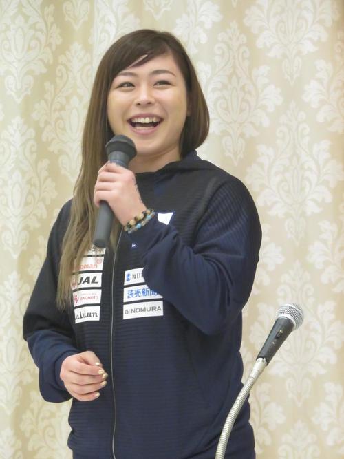 笑顔でアジア選手権への抱負を語る植草歩(撮影・小堀泰男)