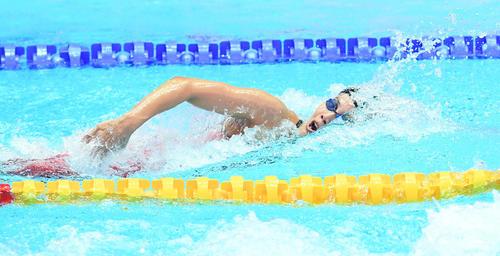 女子400メートルリレー予選 第1泳者の大本(撮影・鈴木みどり)