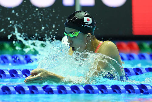 女子200メートル個人メドレー準決勝で力泳する大橋(撮影・鈴木みどり)