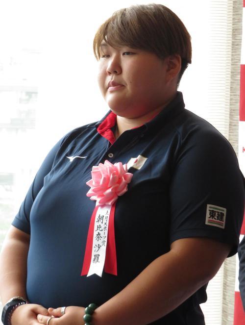 上月スポーツ賞の表彰式に出席した朝比奈沙羅(撮影・峯岸佑樹)