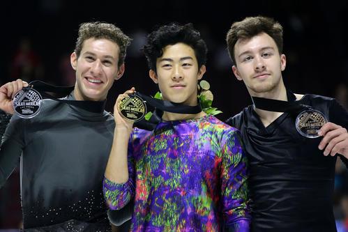 優勝したネーサン・チェン(中央)2位のジェイソン・ブラウン(左)、3位のドミトリー・アリエフ(ロイター)