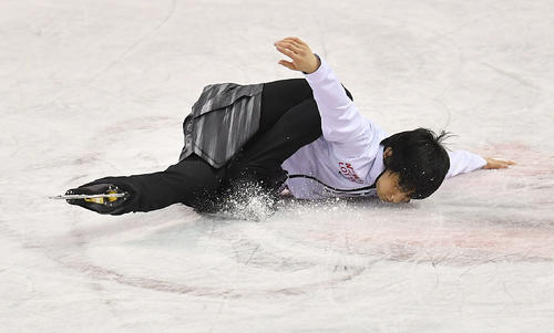 スケートカナダ優勝から一夜明け、エキシビションのリハーサルをする羽生(撮影・菅敏)