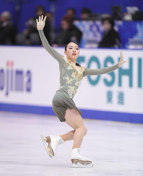 NHK杯 女子フリーで演技する紀平(撮影・加藤諒)