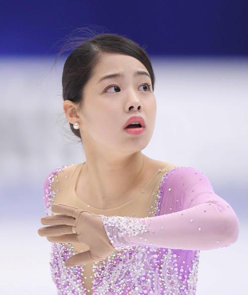 NHK杯 女子フリーで演技する横井(撮影・加藤諒)