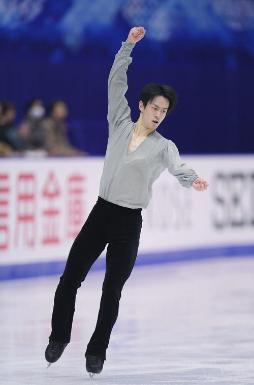 NHK杯 男子フリーで演技する山本草太(撮影・加藤諒)