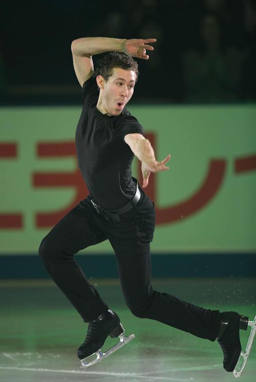 NHK杯 エキシビションで演技するジェイソン・ブラウン(撮影・加藤諒)