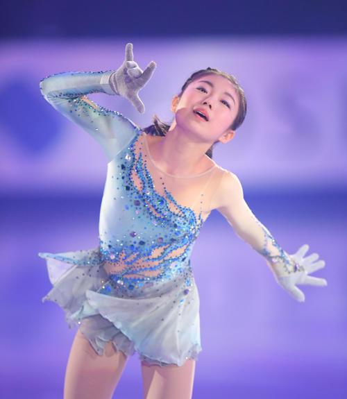NHK杯 エキシビションで演技する畑崎李果(撮影・加藤諒)