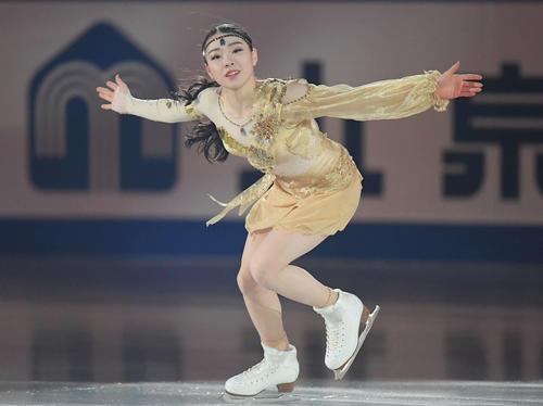 NHK杯 エキシビションで演技する紀平(撮影・加藤諒)