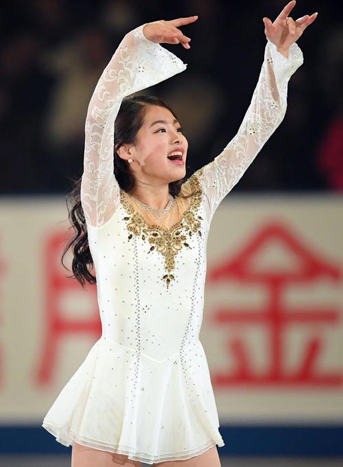 NHK杯 エキシビションで演技する横井(撮影・加藤諒)