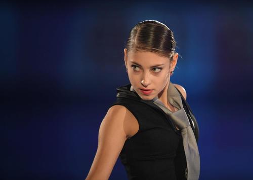 NHK杯 エキシビションで演技するアリョーナ・コストルナヤ(撮影・加藤諒)
