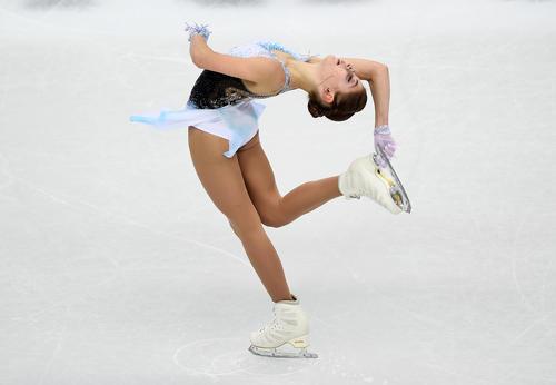 女子SP 演技するアリョーナ・コストルナヤ(ロイター)