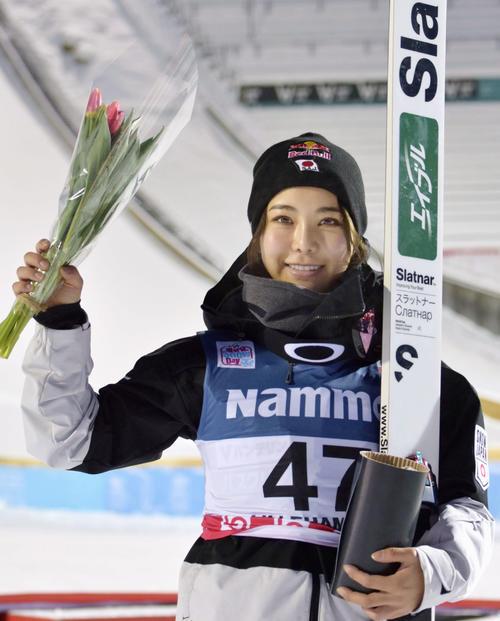 W杯ジャンプ女子個人第2戦で3位になった高梨(共同)