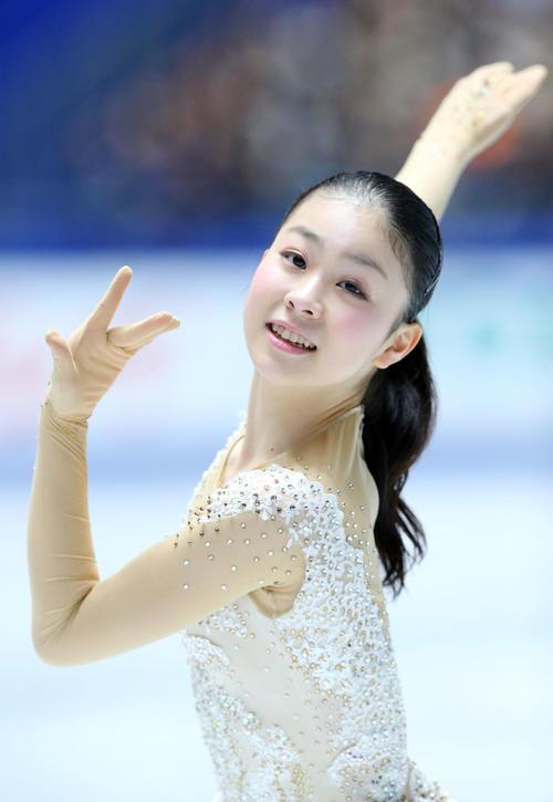 全日本フィギュアスケート選手権、女子SPで演技する吉岡(撮影・垰建太)