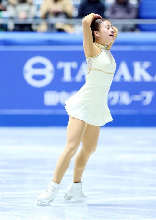 全日本フィギュアスケート選手権、女子SPで演技する井上(撮影・垰建太)