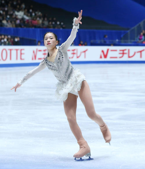 女子フリーで演技冒頭トリプルアクセルに挑戦するも回転不足のジャンプとなる吉田(撮影・垰建太)