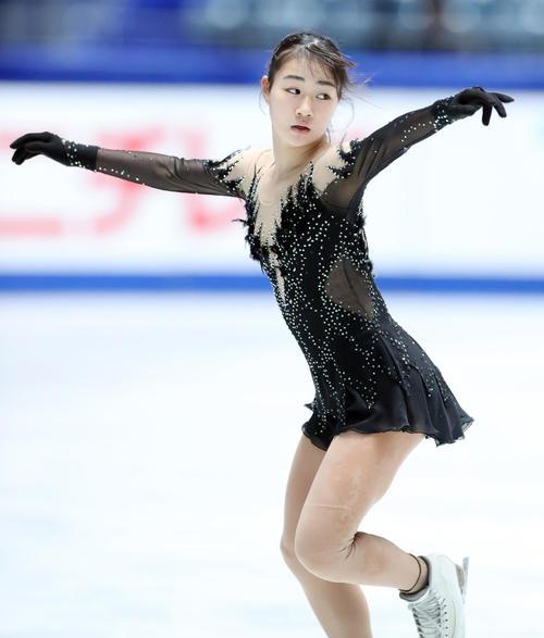 全日本フィギュアスケート選手権公式練習で演技の確認をする河辺(撮影・垰建太)
