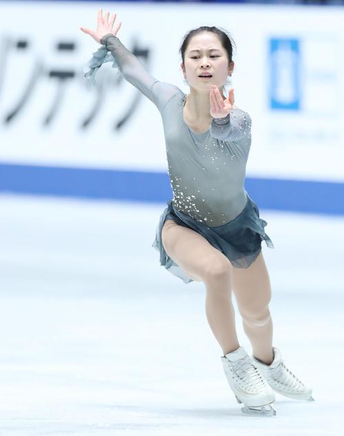 全日本フィギュアスケート選手権公式練習で演技の確認をする宮原(撮影・垰建太)