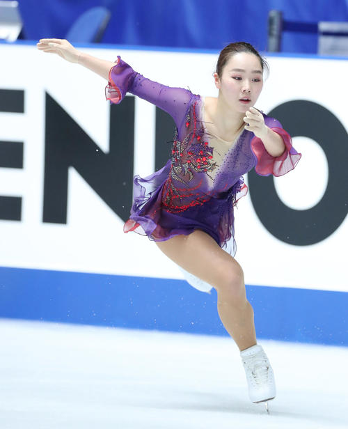 全日本フィギュアスケート選手権公式練習で演技の確認をする樋口(撮影・垰建太)