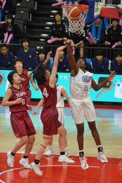 Photo of Sakura Gakuen Final 186cm Amaka Suppresses Under Goal