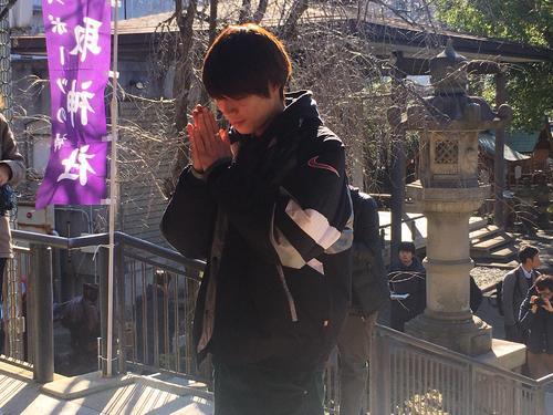 東京・江東区の香取神社に初詣したスケートボードの堀米雄斗