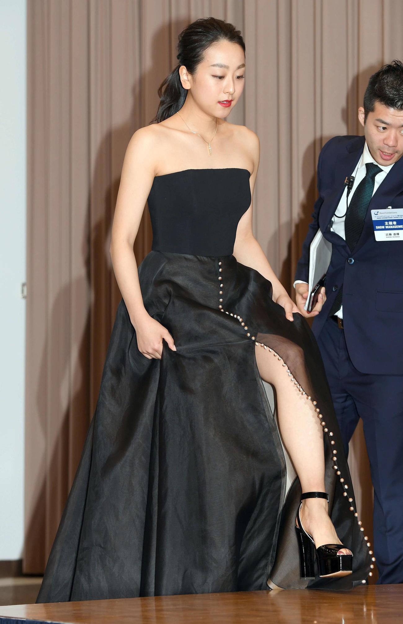 日本ジュエリーベストドレッサー賞特別賞を受賞した浅田真央(撮影・たえ見朱実)