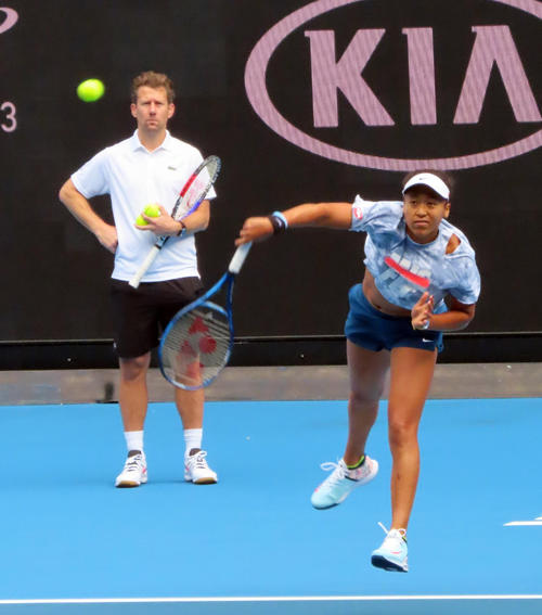"Photo of Naomi Osaka, short ""professor"" lesson just before"