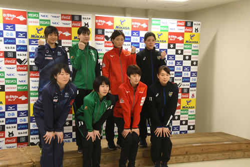 Photo of Women's V1 semifinal, first match against Denso Okayama