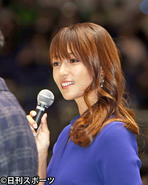 Photo of Kyoko Fukada watches the first basketball tournament Enjoy the venue with a bewitching talk