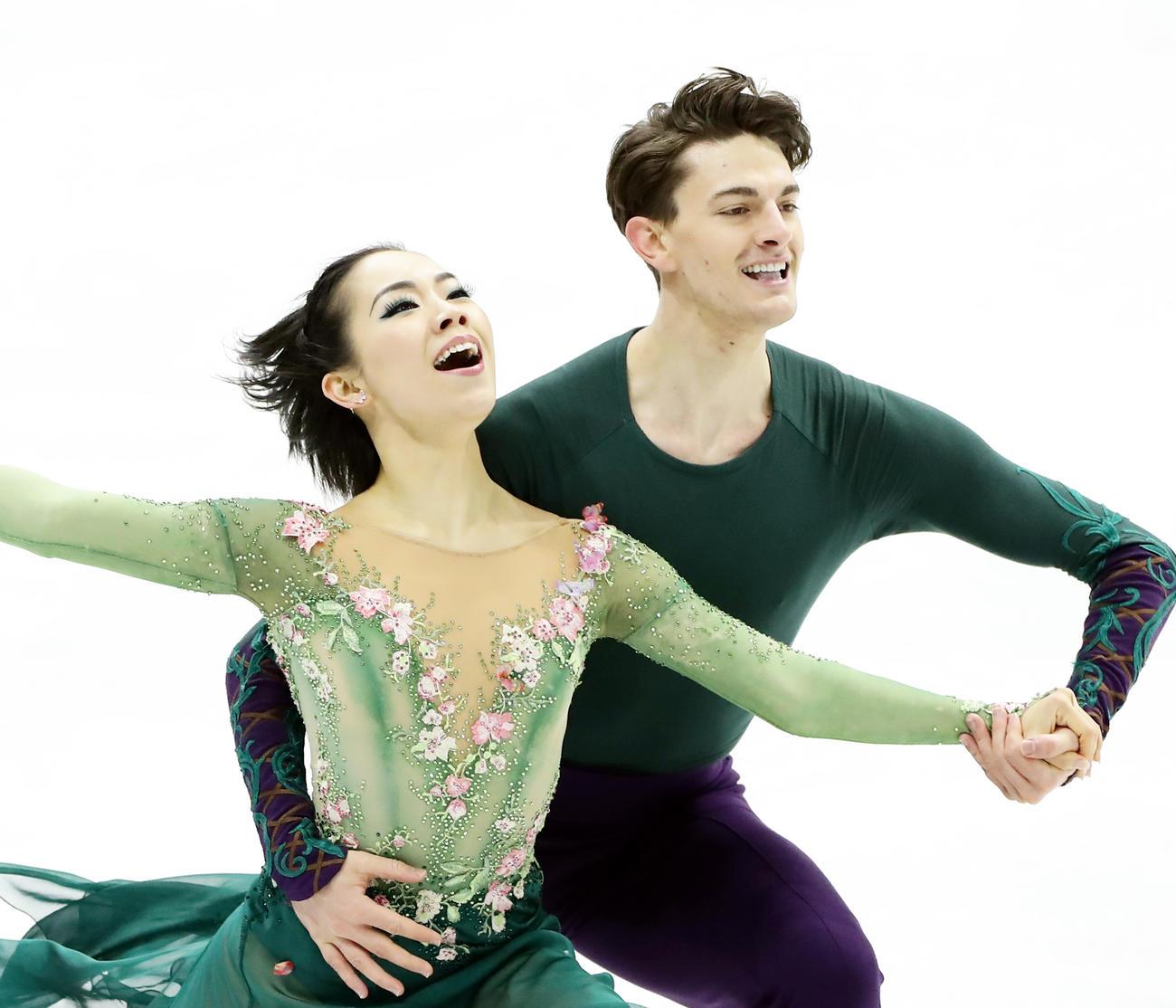 4大陸選手権アイスダンスFDで息のあった演技を見せる小松原美里(左)、ティム・コレト組(2020年2月7日撮影)