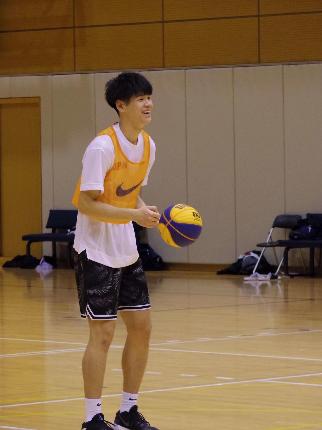 バスケットボール男子3人制日本代表の強化合宿に参加中の西野(撮影・奥岡幹浩)