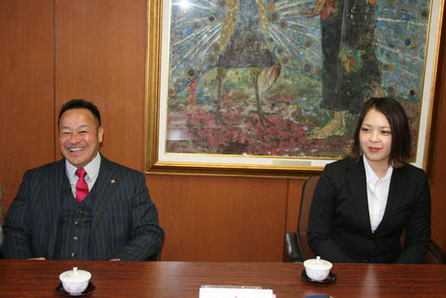 "Photo of Shinkoku Shinri Minamihara visits Fukuoka Prefectural Government ""I'm really happy"""