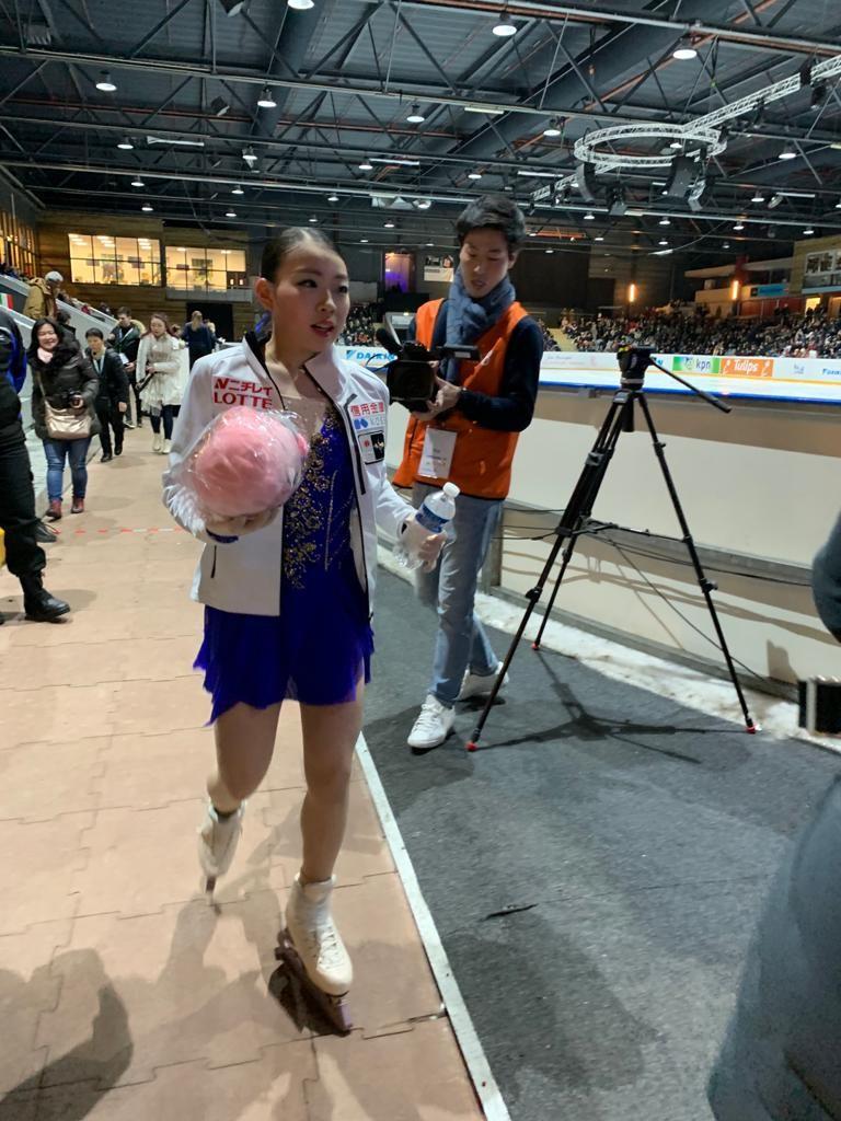 チャレンジ・カップ女子SP後の紀平梨花(撮影・エリーヌ・スウェーブルス通信員)