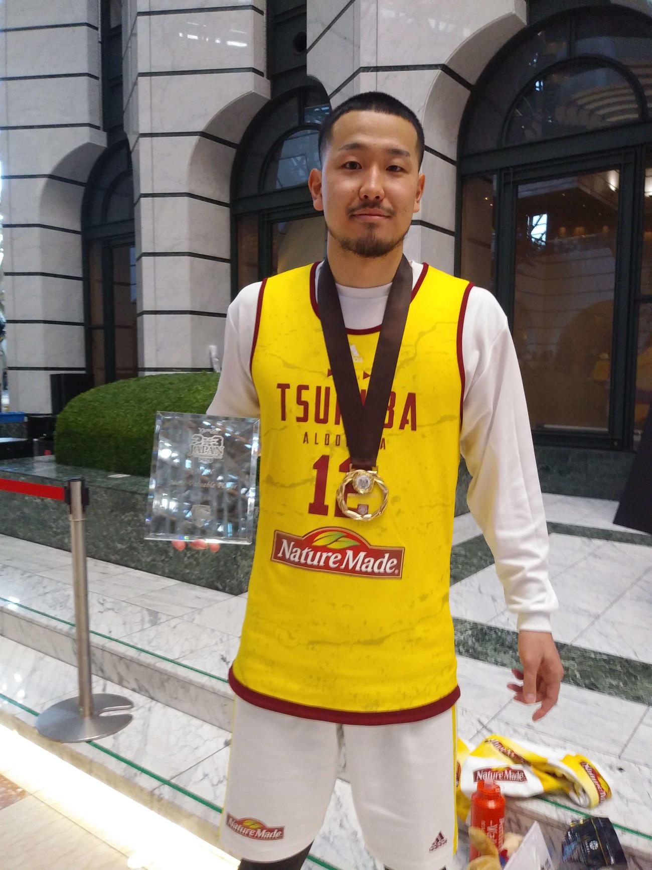 3人制バスケットボール日本選手権でTEAM TSUKUBAの優勝に貢献し、MVPに選ばれた大友(撮影・奥岡幹浩)