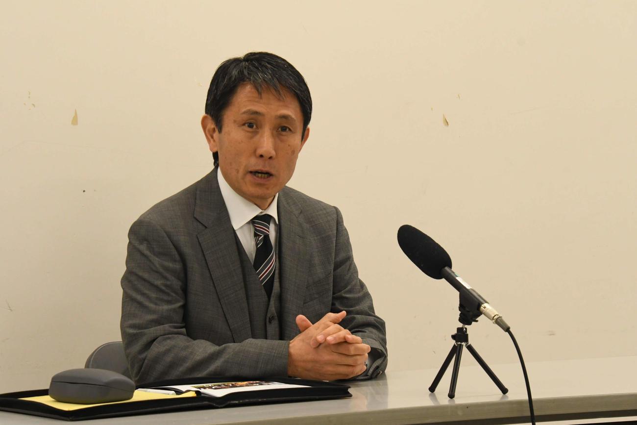 3月に予定していたサンウルブズの国内開催2試合が国外で行われると説明した渡瀬代表理事CEO(撮影・平山連)