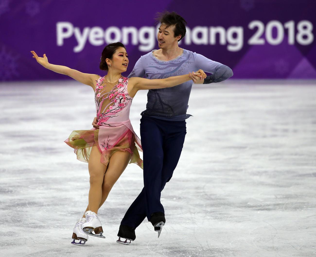 平昌五輪 フィギュアスケート・アイスダンスフリー 演技する村元哉中(左)とクリス・リード(2018年2月20日撮影)