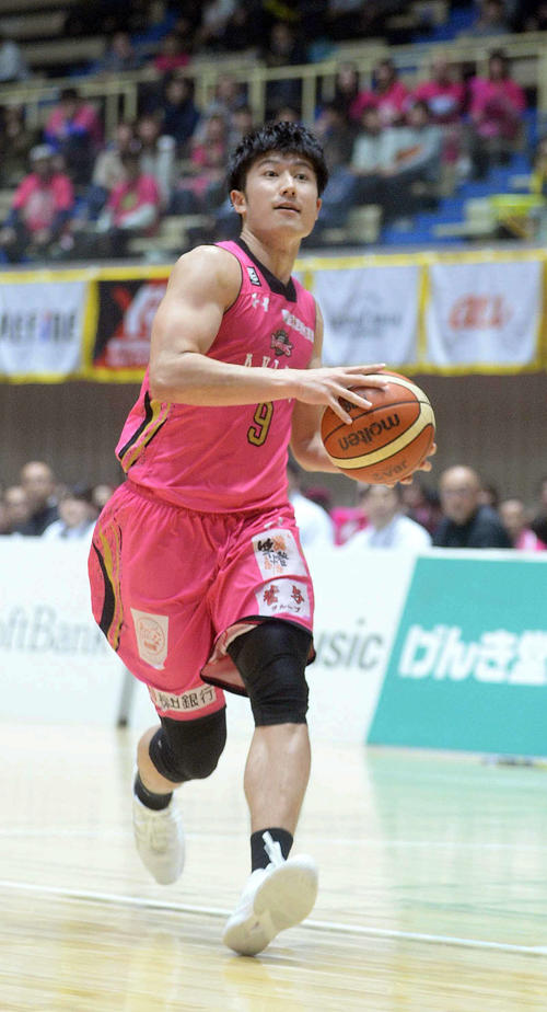 "Photo of B1 Akita Shirahama transferred to Shimane ""4 years really taken care of"""