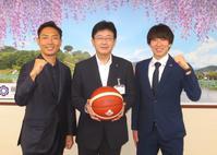 B3静岡「昇格への夢を」藤枝市・大畑副市長が激励 - バスケットボール : 日刊スポーツ