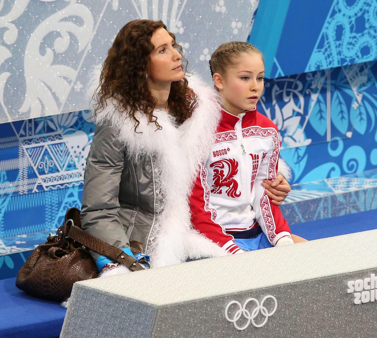 トゥトベリゼ・コーチ(左)とリプニツカヤ(2014年2月19日撮影)