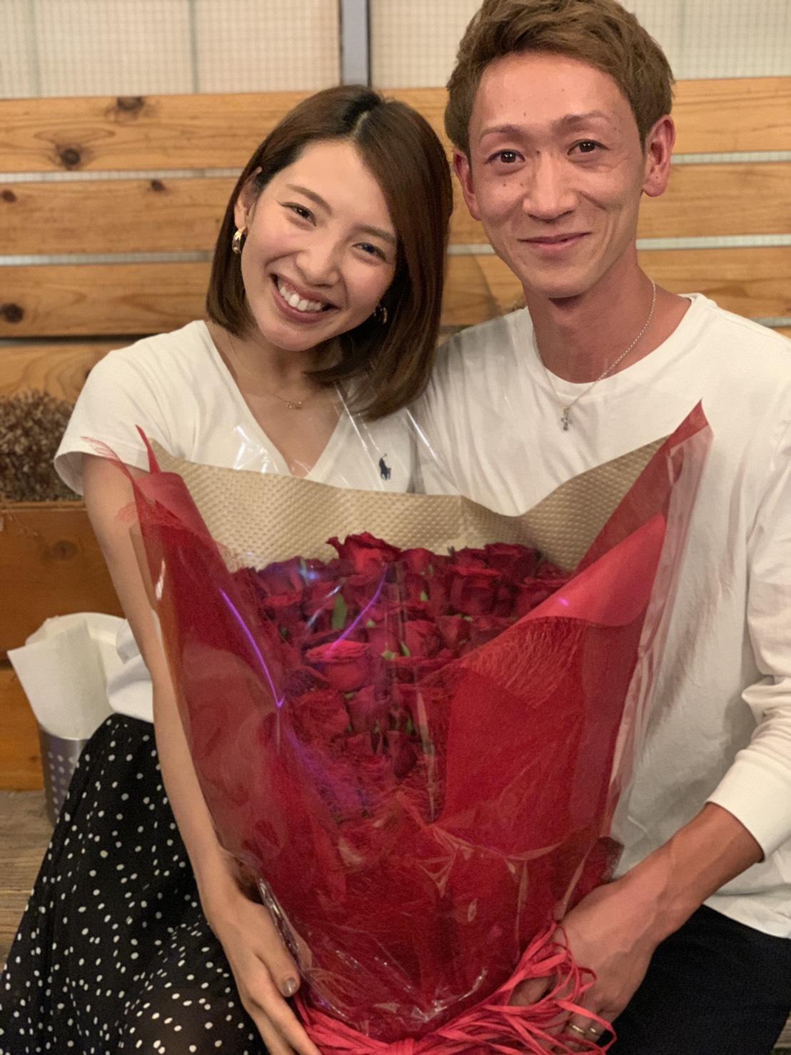 結婚することが明らかになった土屋南(左)と佐藤翼