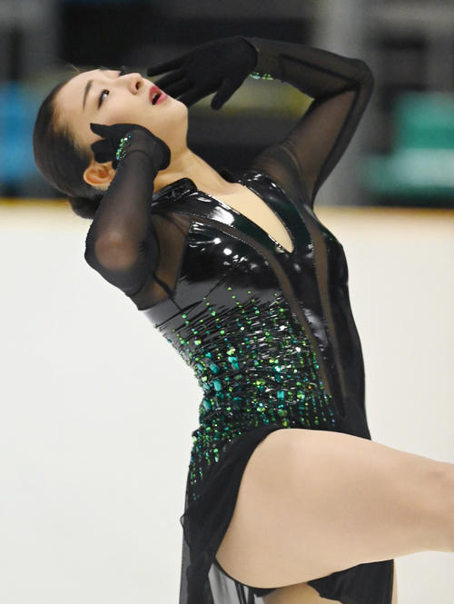シニア女子フリーで演技する坂本花織