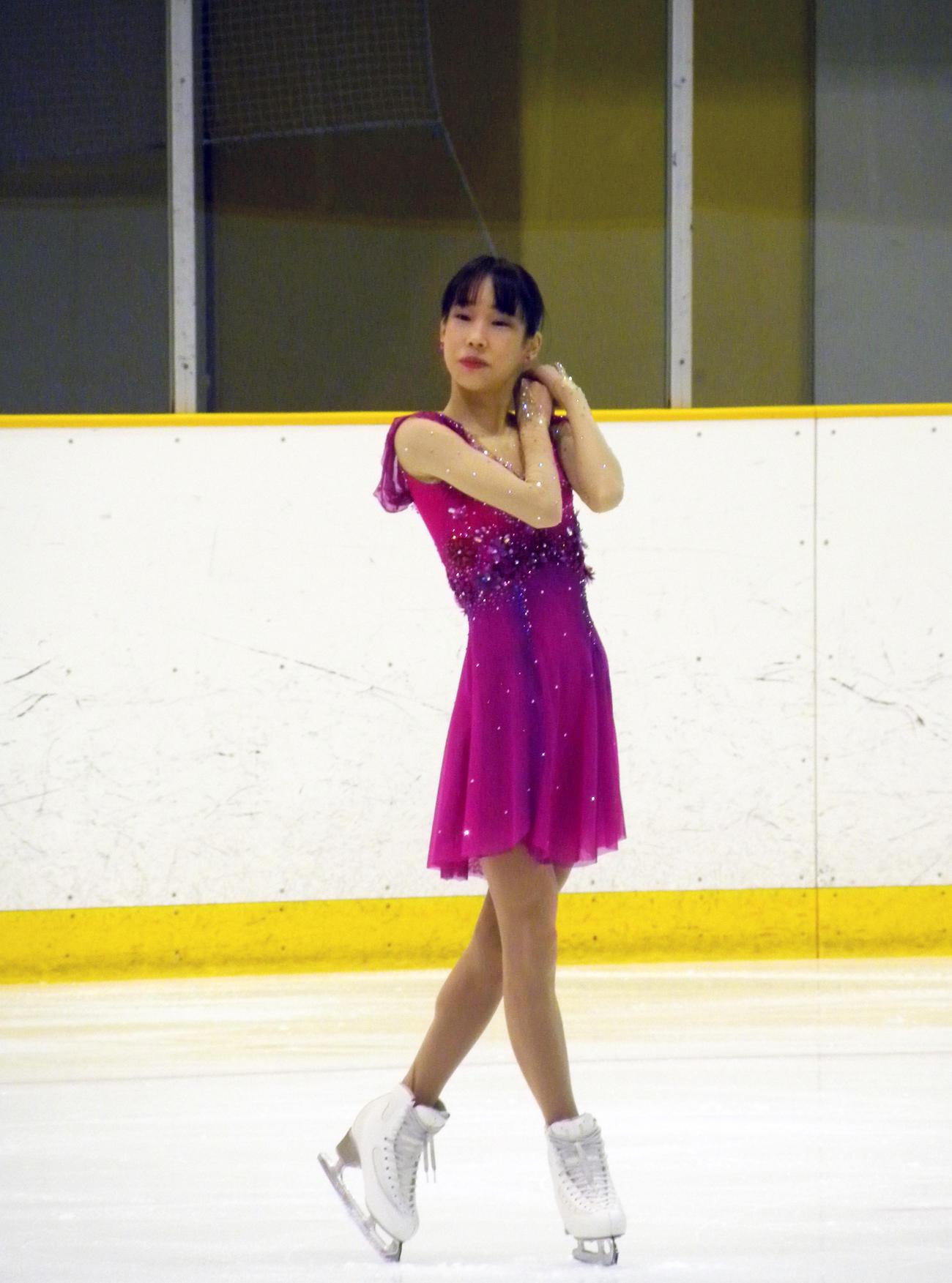 全兵庫選手権女子ショートプログラムで演技する三原舞依(撮影・松本航)