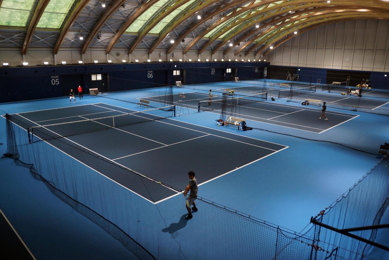 東京五輪に向けて新設された室内コート(日本テニス協会提供)