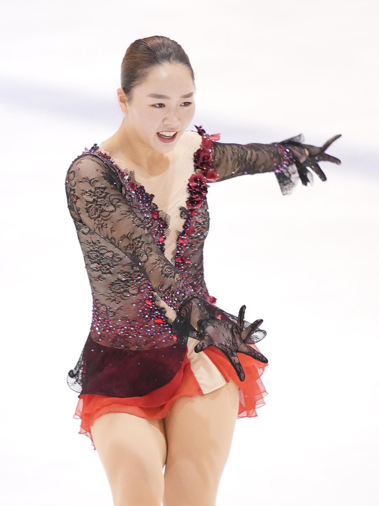 フィギュアスケート東日本選手権・女子フリーで演技をする樋口新葉(撮影・菅敏)