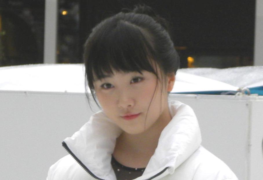 グランフロント大阪うめきた広場のアイスリンク「つるんつるん」で初滑りした本田望結(撮影・松本航)